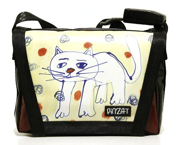 http://sosakumiyazaki.net/files/gimgs/th-146_sosaku-graffitibags7.jpg